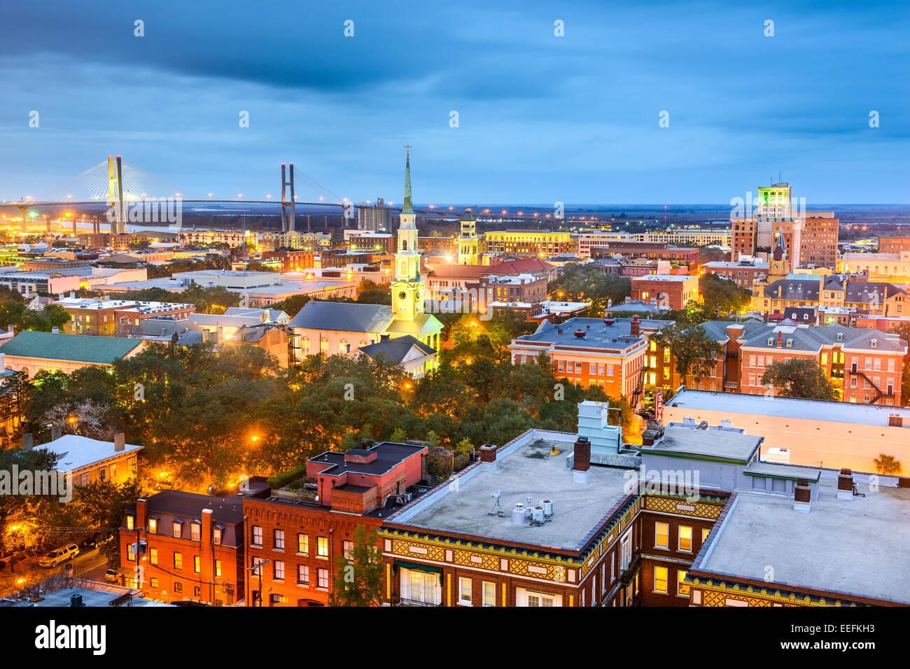 Savannah, Georgia, USA Centre-ville la nuit. Photo Stock
