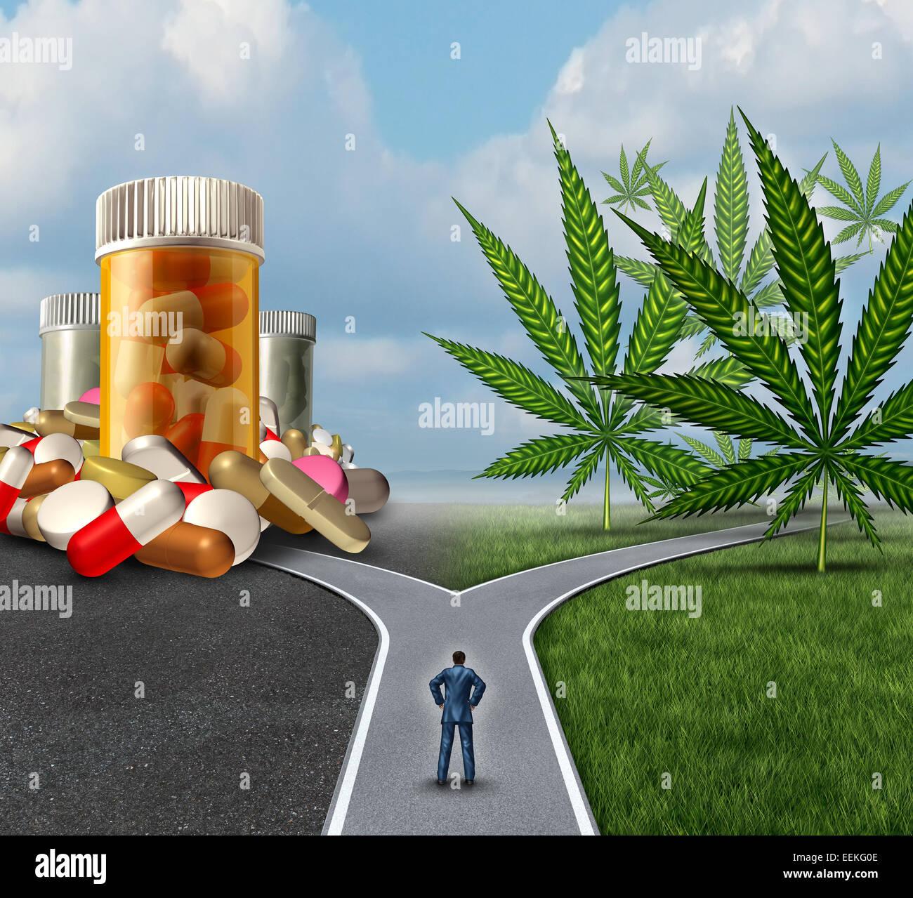Medical Marijuana choix dilemme les soins de concept comme une personne debout en face de deux voies avec une seule Photo Stock