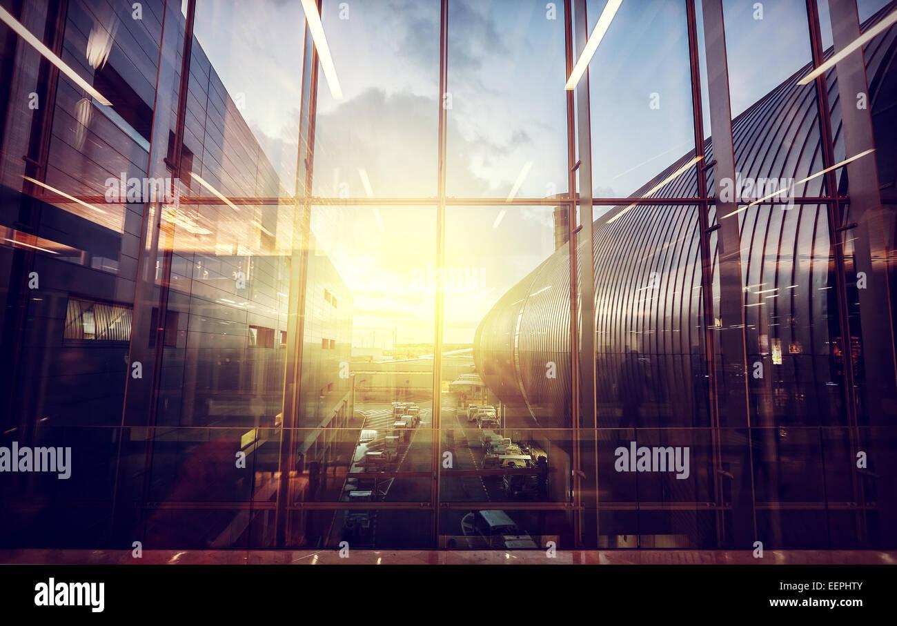 Vintage photo filtré de l'aéroport, le transport et les voyages d'affaires concept. Photo Stock