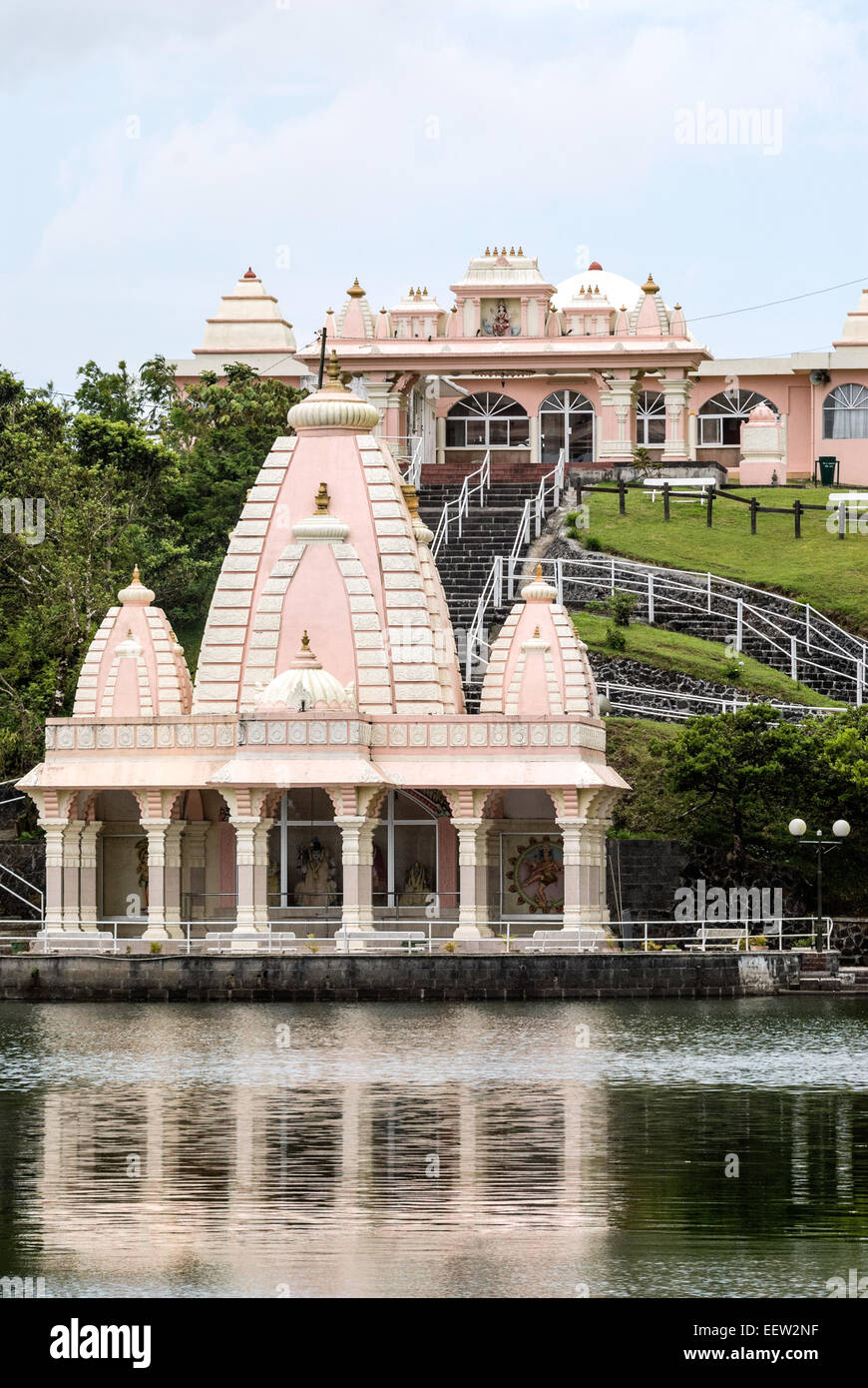 Ganga Talao temple hindou sur le lac de Grand Bassin, Ile Maurice Photo Stock