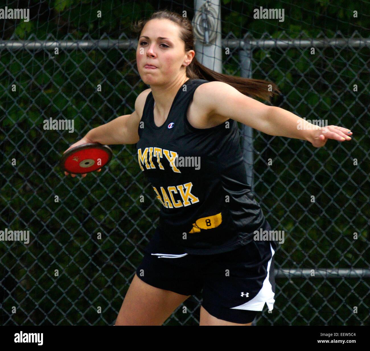"""Amitié, CT USA-- l'Amitié Katherine Simon lance 98"""" au cours de la discus au CCN en Coupe de Photo Stock"""
