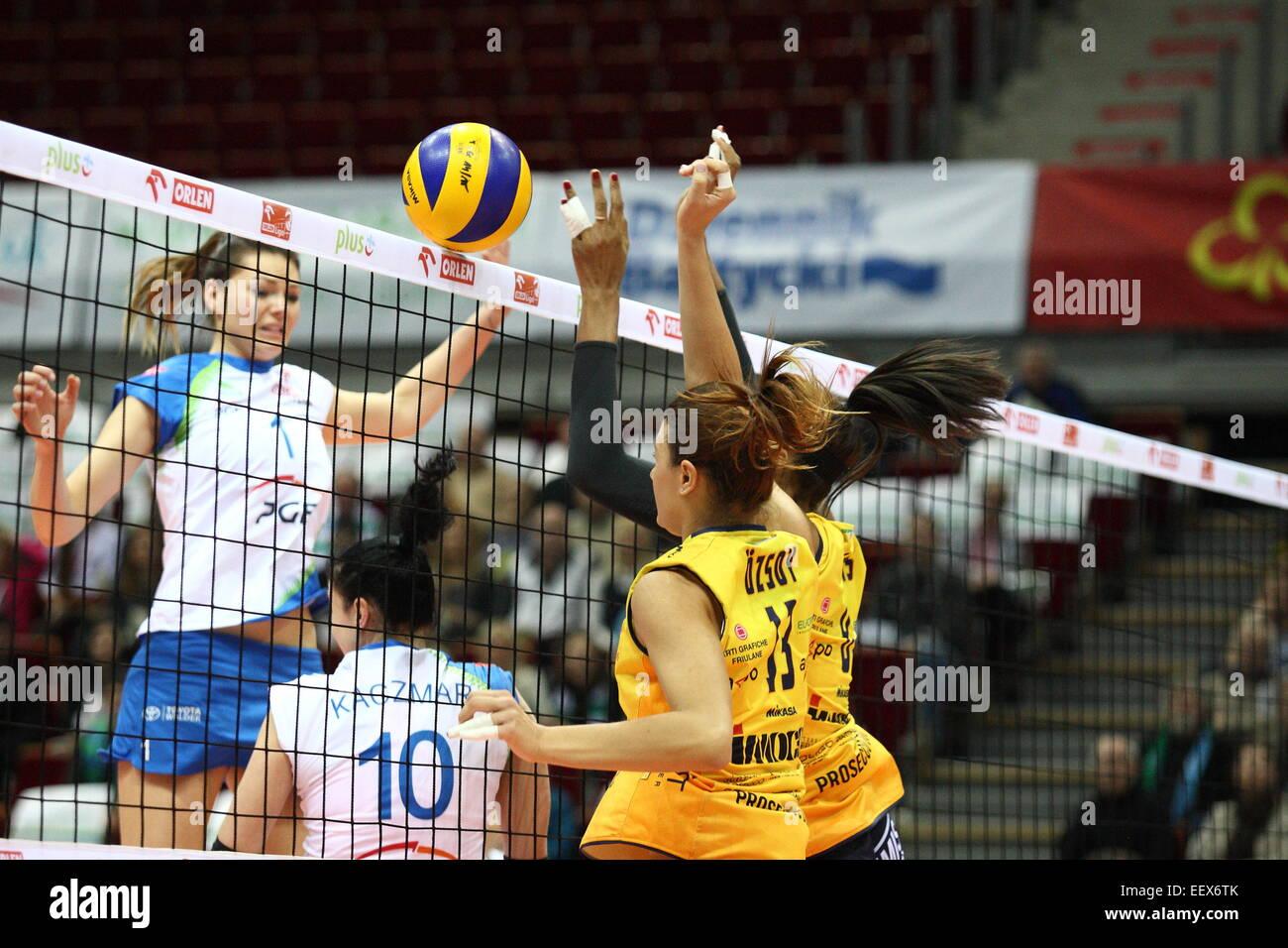 Sopot, Pologne, le 22 avril 2015 Volley-ball CEV Cup 2015 . Atome Trefl Sopot PGE Prosecco Conegliano dans Doc-Imoco Photo Stock