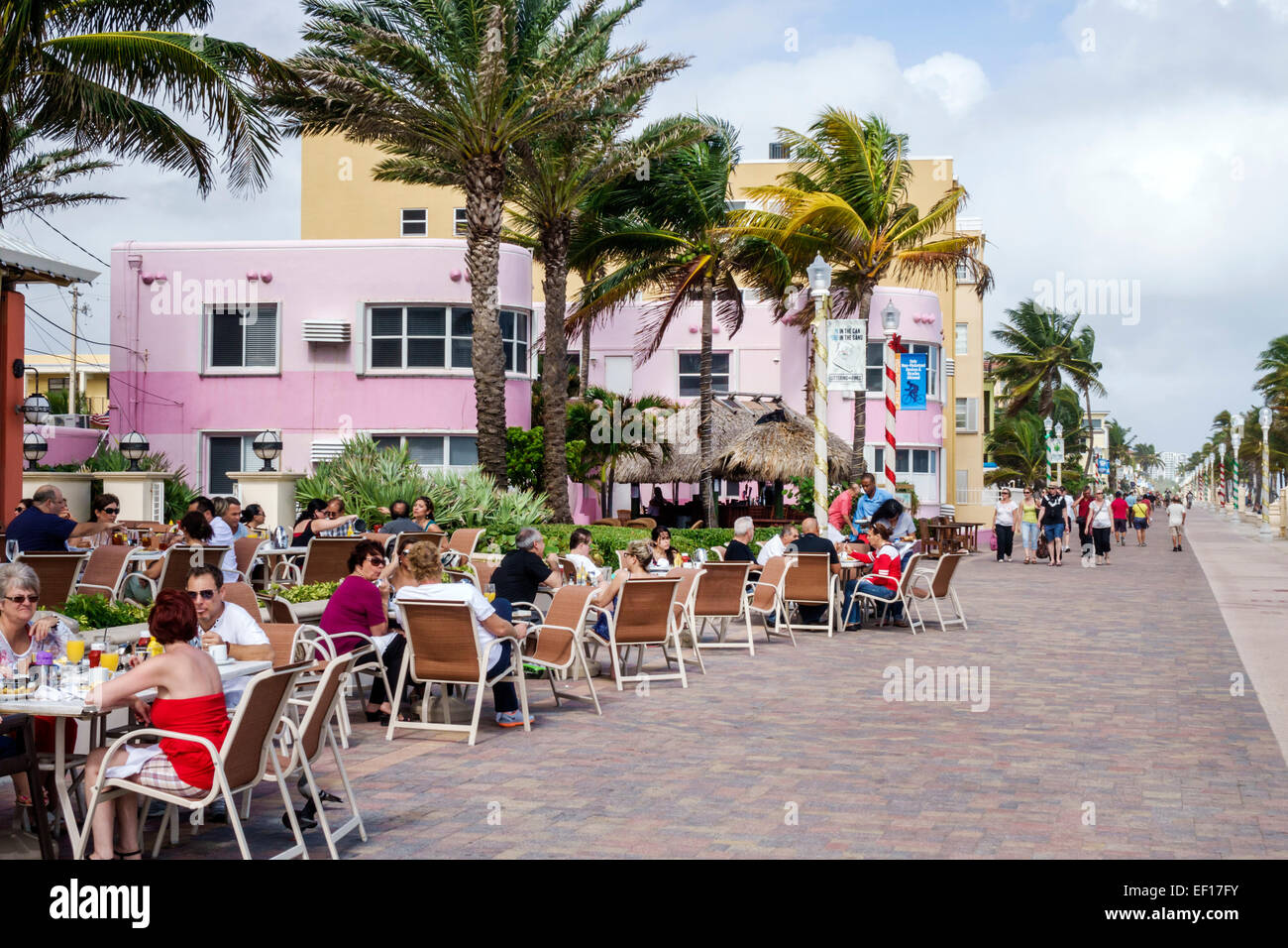 Floride Hollywood Broadwalk Nord voie piétonnière promenade balade Océan Atlantique beach restaurant Photo Stock