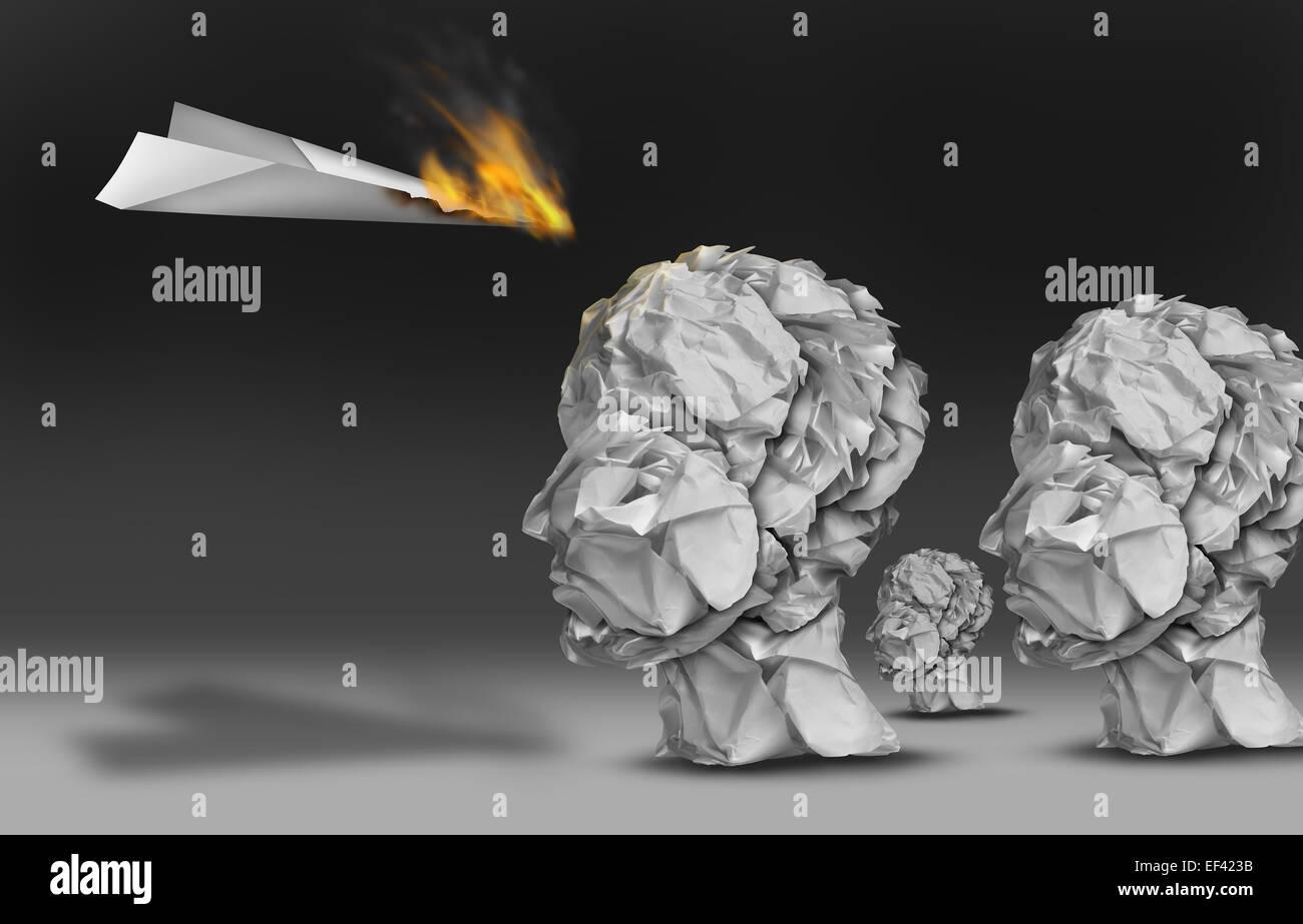 Communication et marketing viral propoganda concept comme un avion en papier qui brûle dans les flammes comme Photo Stock