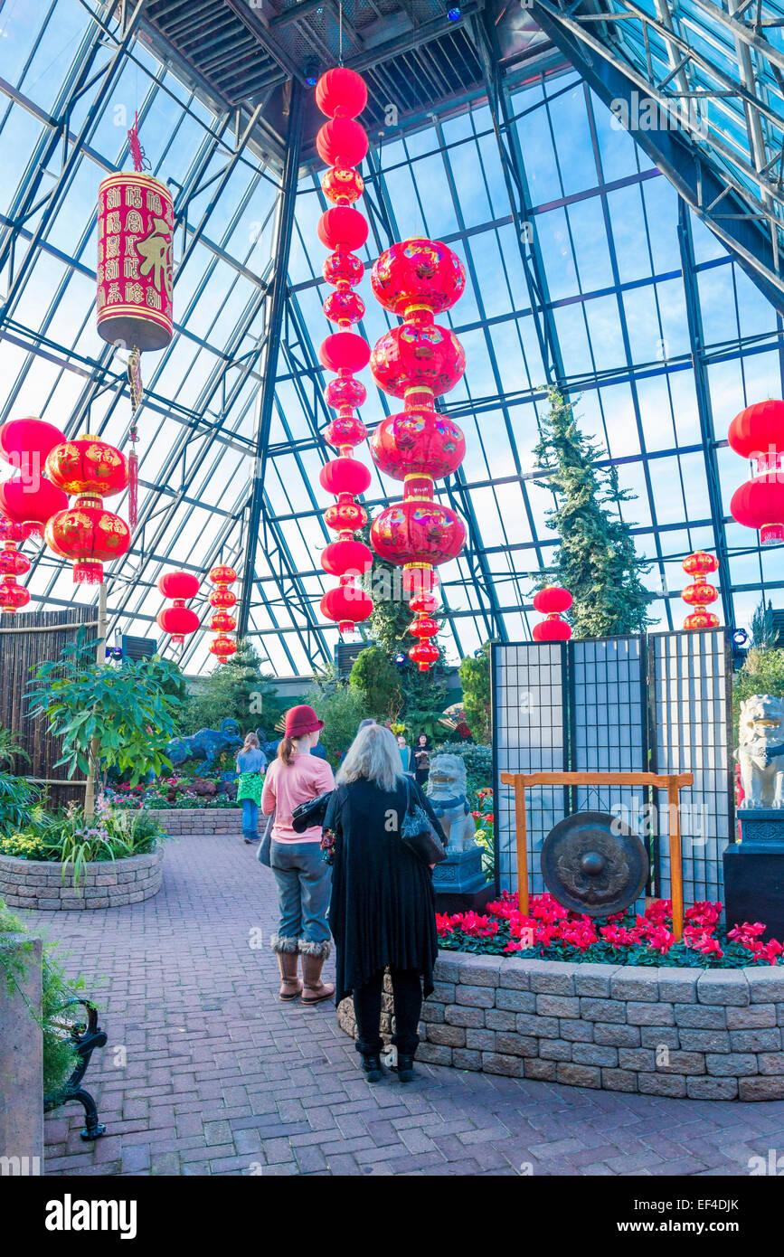 Lampions rouges, dans les longs pavilion Célébrez le Nouvel An chinois de la Ram, la Muttart Conservatory Photo Stock