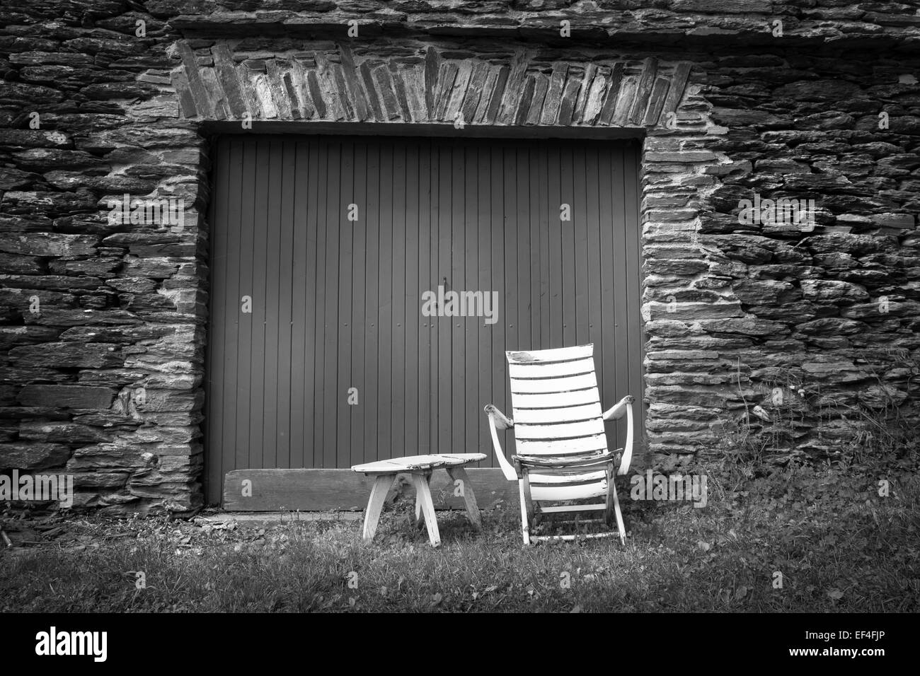 Vieille chaise mur de schiste Photo Stock