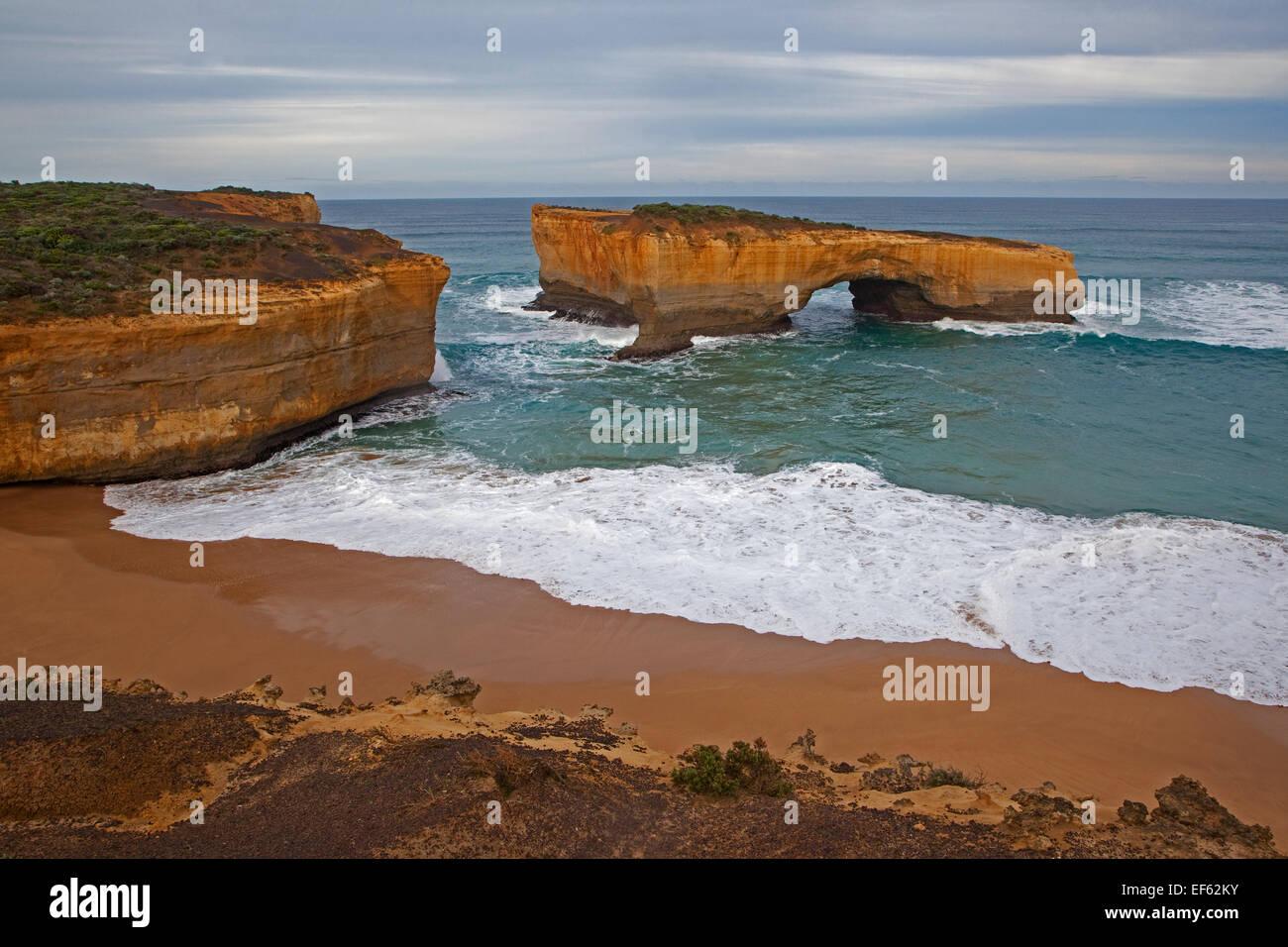 London Arch anciennement London Bridge est une arche naturelle formation dans le Port Campbell National Park, Australie Photo Stock