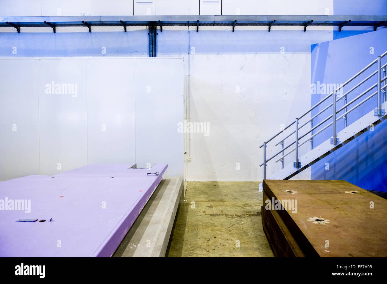 Couleurs et formes graphiques pour station de base cible 1 ISIS à Harwell Science and Innovation Centre, Oxfordshire, Photo Stock