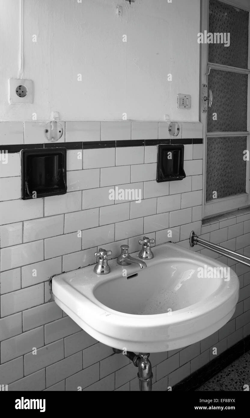 Lavabo De Toilette Publique Banque Dimages Photo Stock 78246334