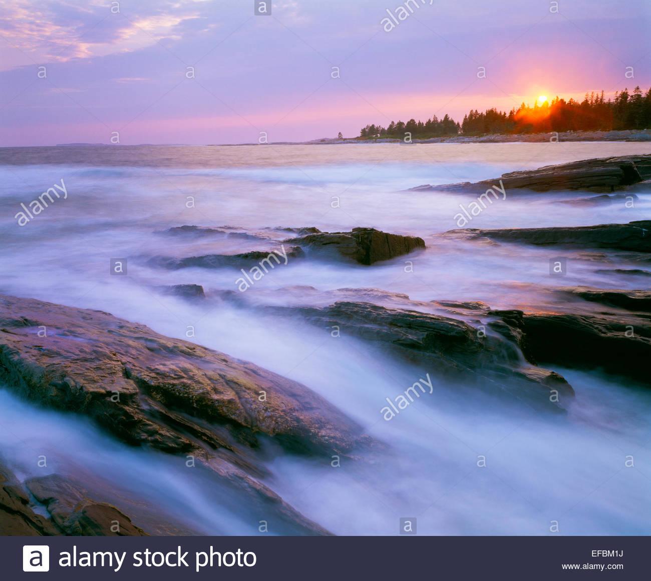 Le coucher du soleil, Penobscot Bay, Maine Photo Stock