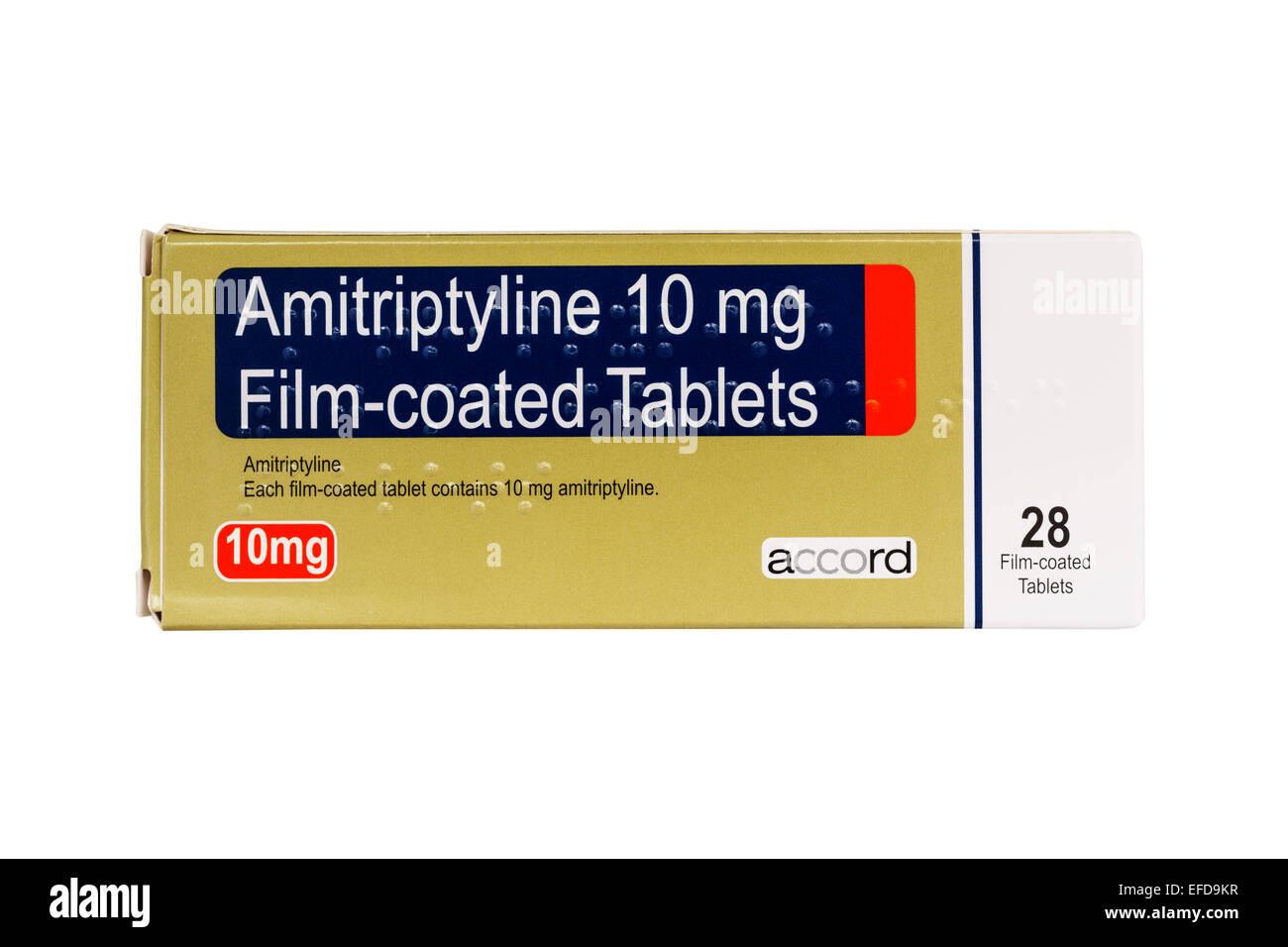 Une boîte de l'amitriptyline 10 mg comprimés pelliculés sur fond blanc Photo Stock