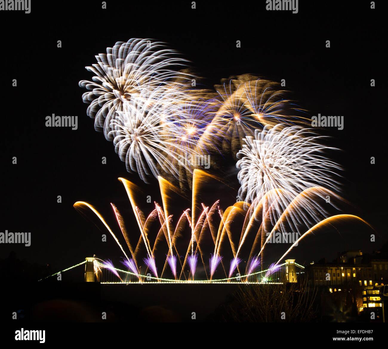 Feu d'artifice sur le pont suspendu de Clifton à Bristol pour célébrer le 150e anniversaire de Photo Stock