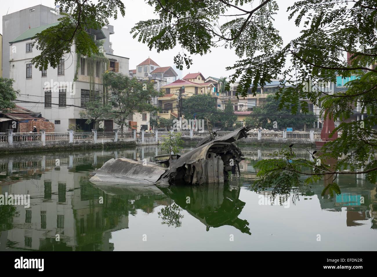 Restes d'Épaves dans des bombardiers B52 Huu Tiep ou lac à Hanoi Vietnam Banque D'Images