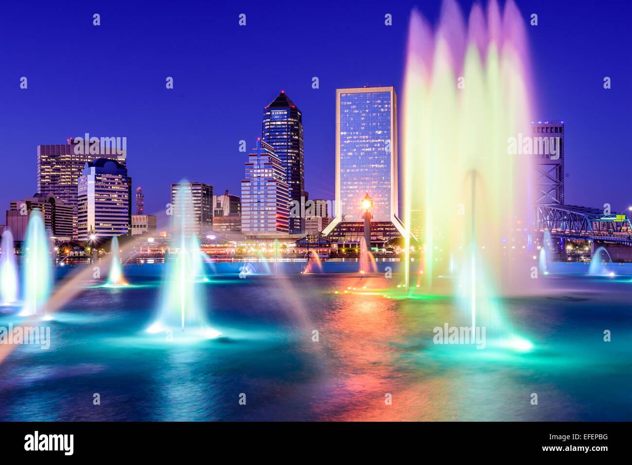 Jacksonville, Floride, USA skyline à la fontaine. Photo Stock