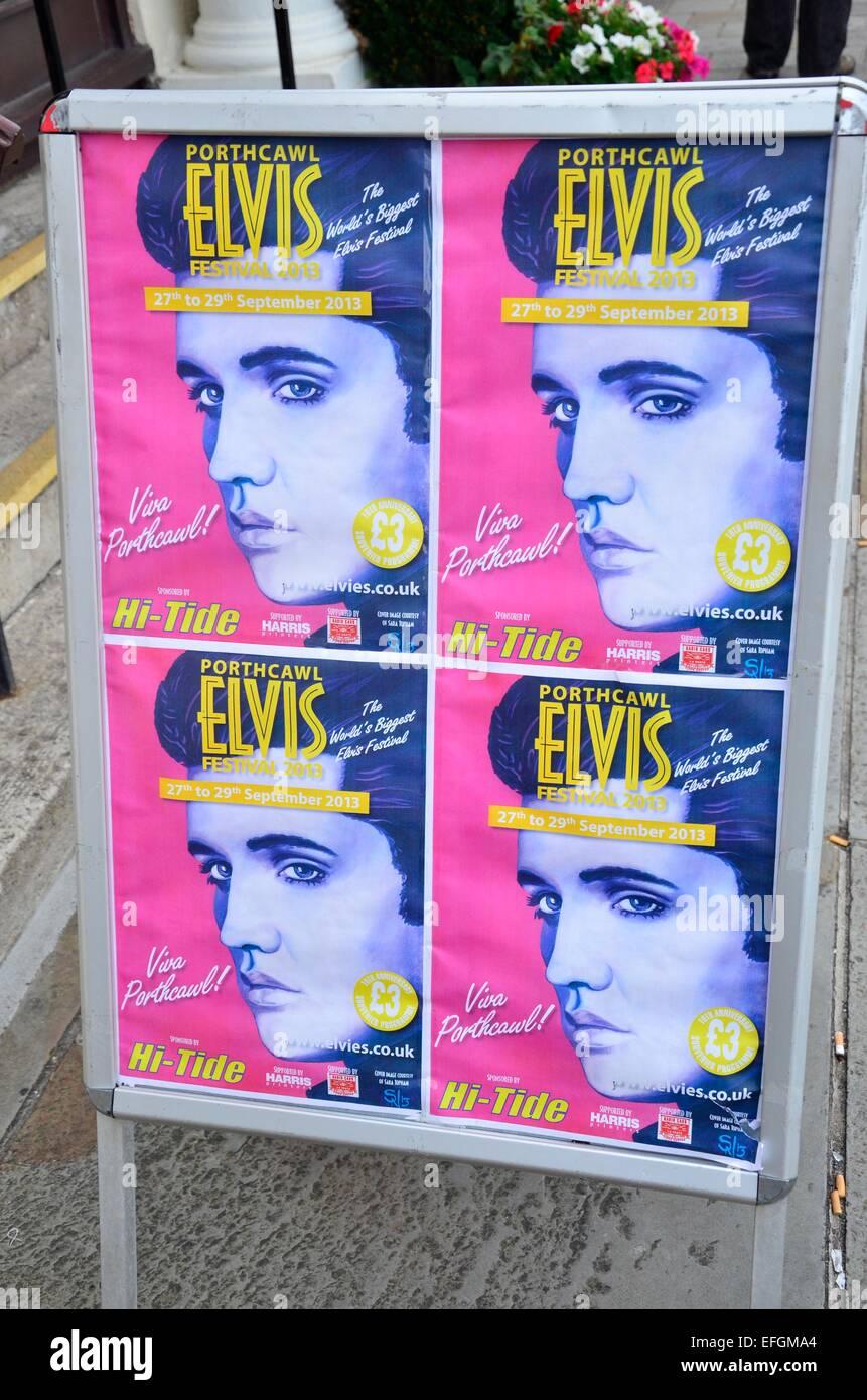 Des affiches annonçant le Festival Elvis (l'Elvies), à l'Hi-Tide, Porthcawl, South Wales, UK Photo Stock