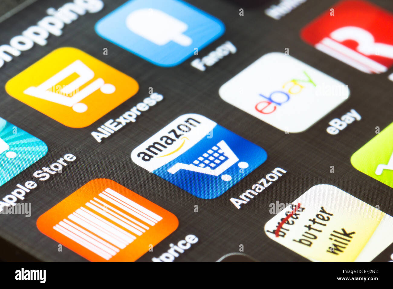 LONDON, UK- 5 FÉVRIER 2013: les apps affichées sur un écran du smartphone. Photo Stock