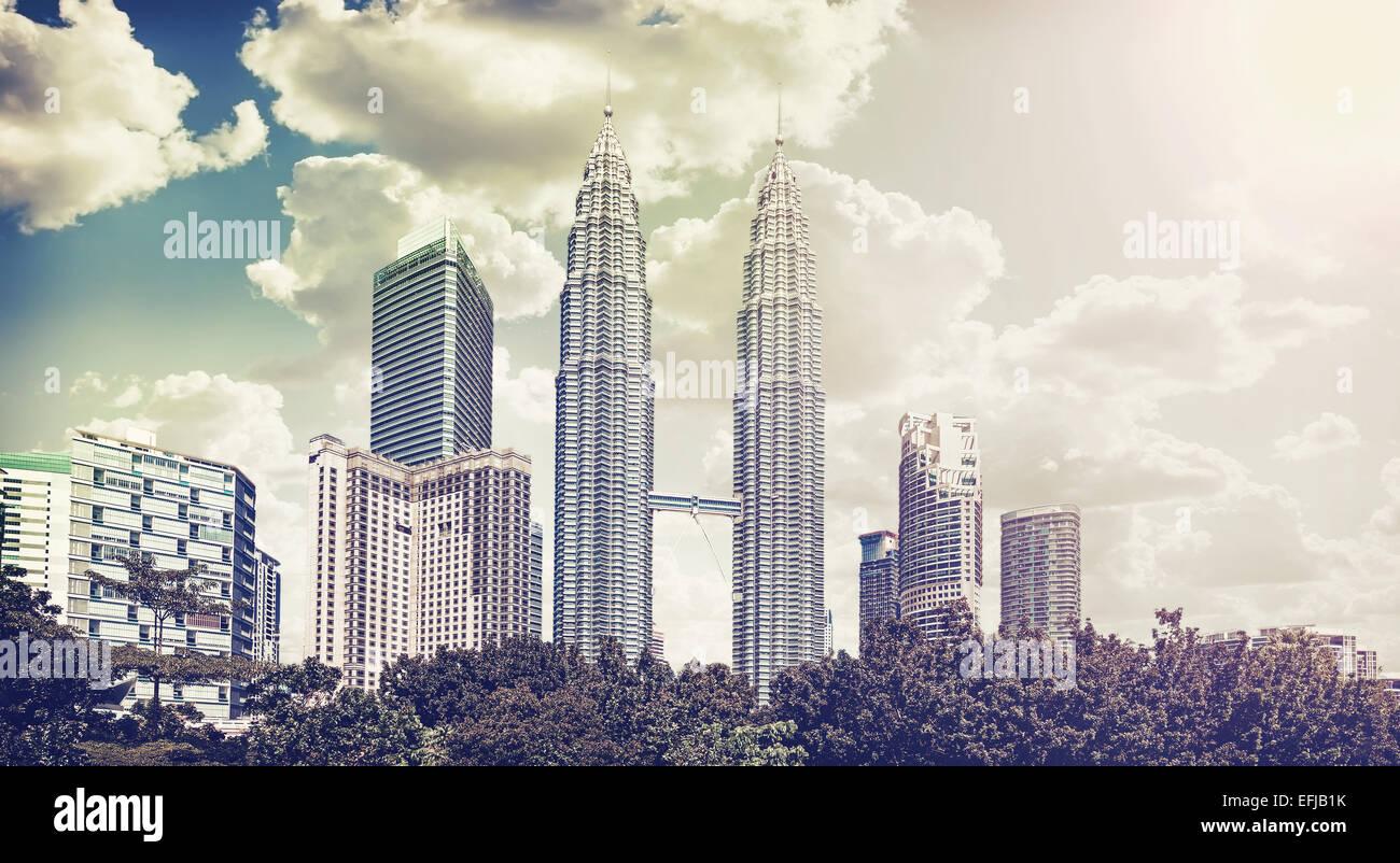 Retro vintage photo filtrée de Kuala Lumpur skyline. Photo Stock