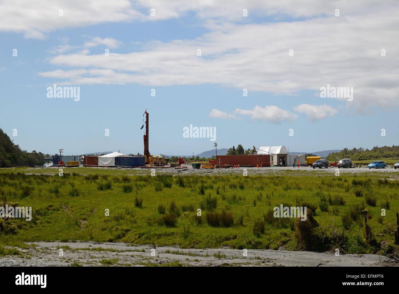 WHATAROA, Nouvelle-Zélande, le 5 décembre 2014: Site de profonde du projet de forage défaut Photo Stock