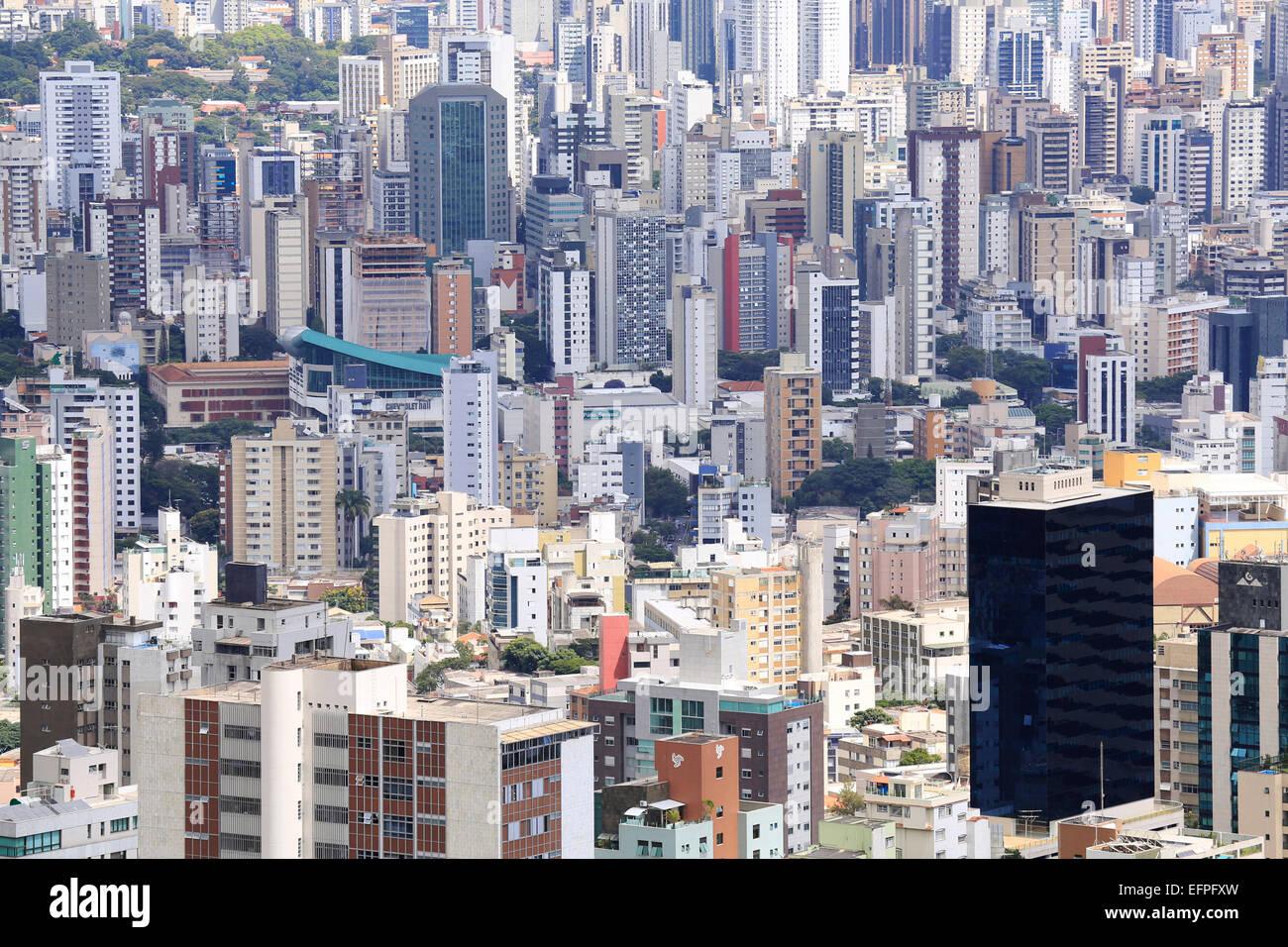 Les immeubles à appartements dans le centre-ville, à Belo Horizonte, Minas Gerais, Brésil, Amérique Photo Stock