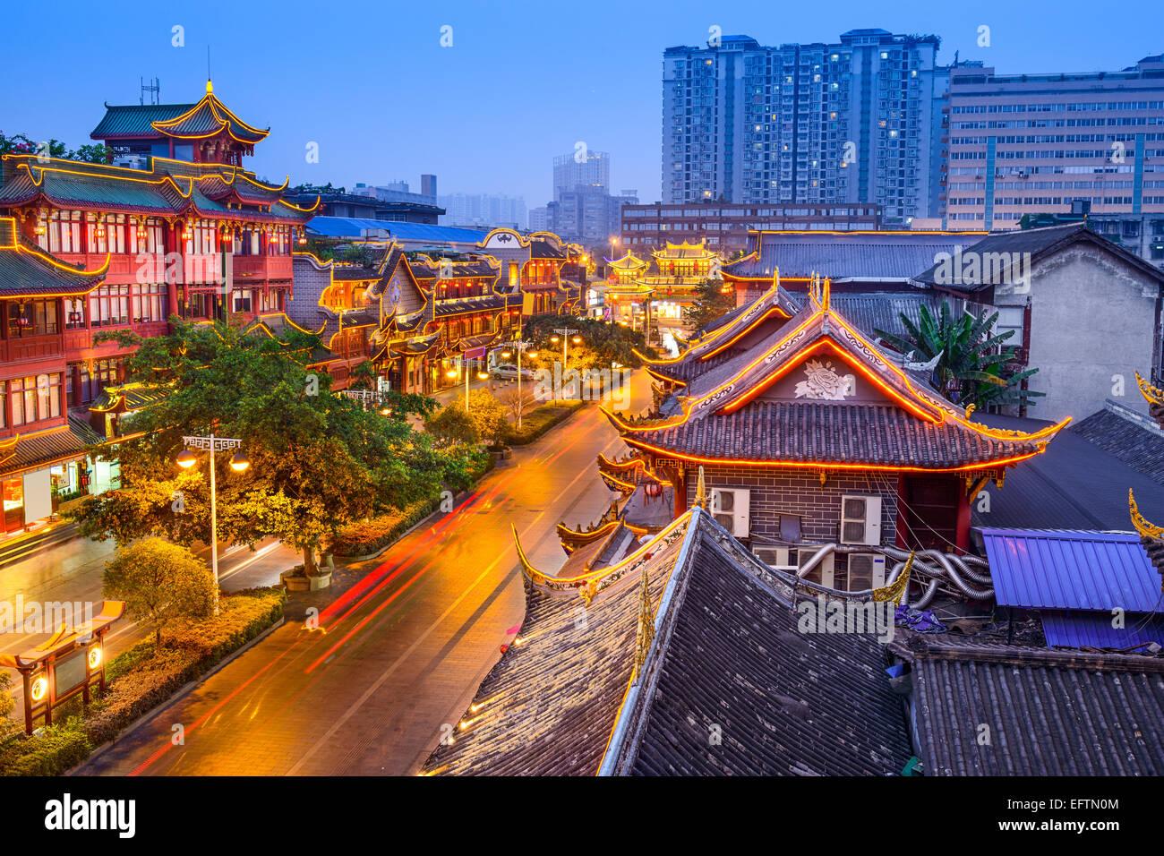 Chengdu, Chine cityscape sur Qintai Road quartier historique. Photo Stock