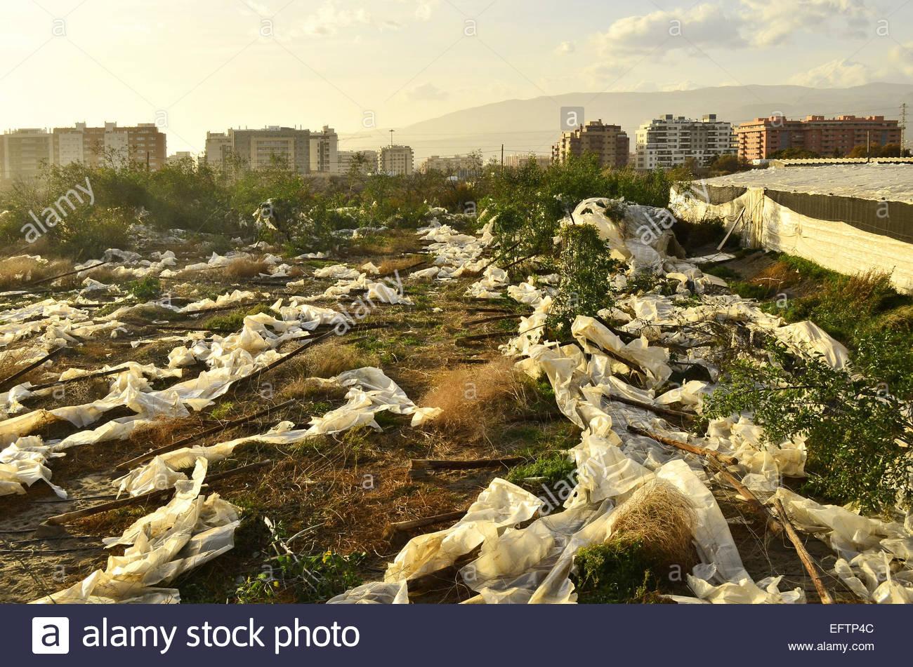 Les serres de plastique pollution des sols La contamination, Almeria Espagne du sud Europe Photo Stock