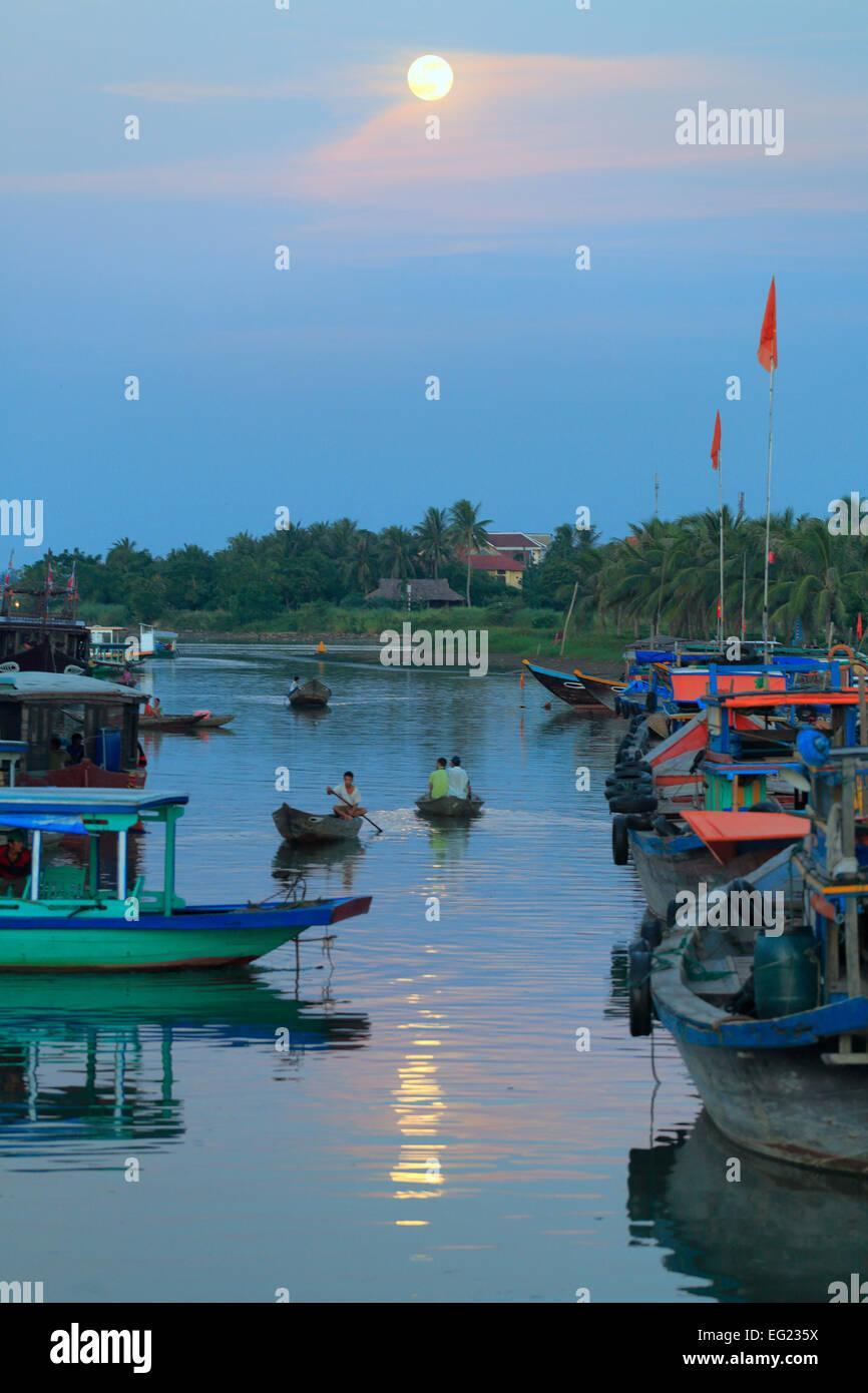 Soirée à Hoi An, la rivière Thu Bon, Vietnam Photo Stock