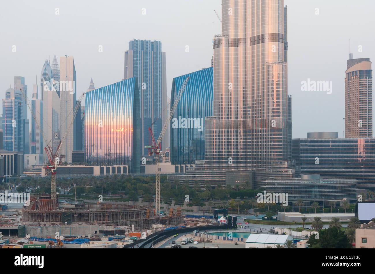 Construction de lopéra de dubaï au centre ville de dubaï 2000 places