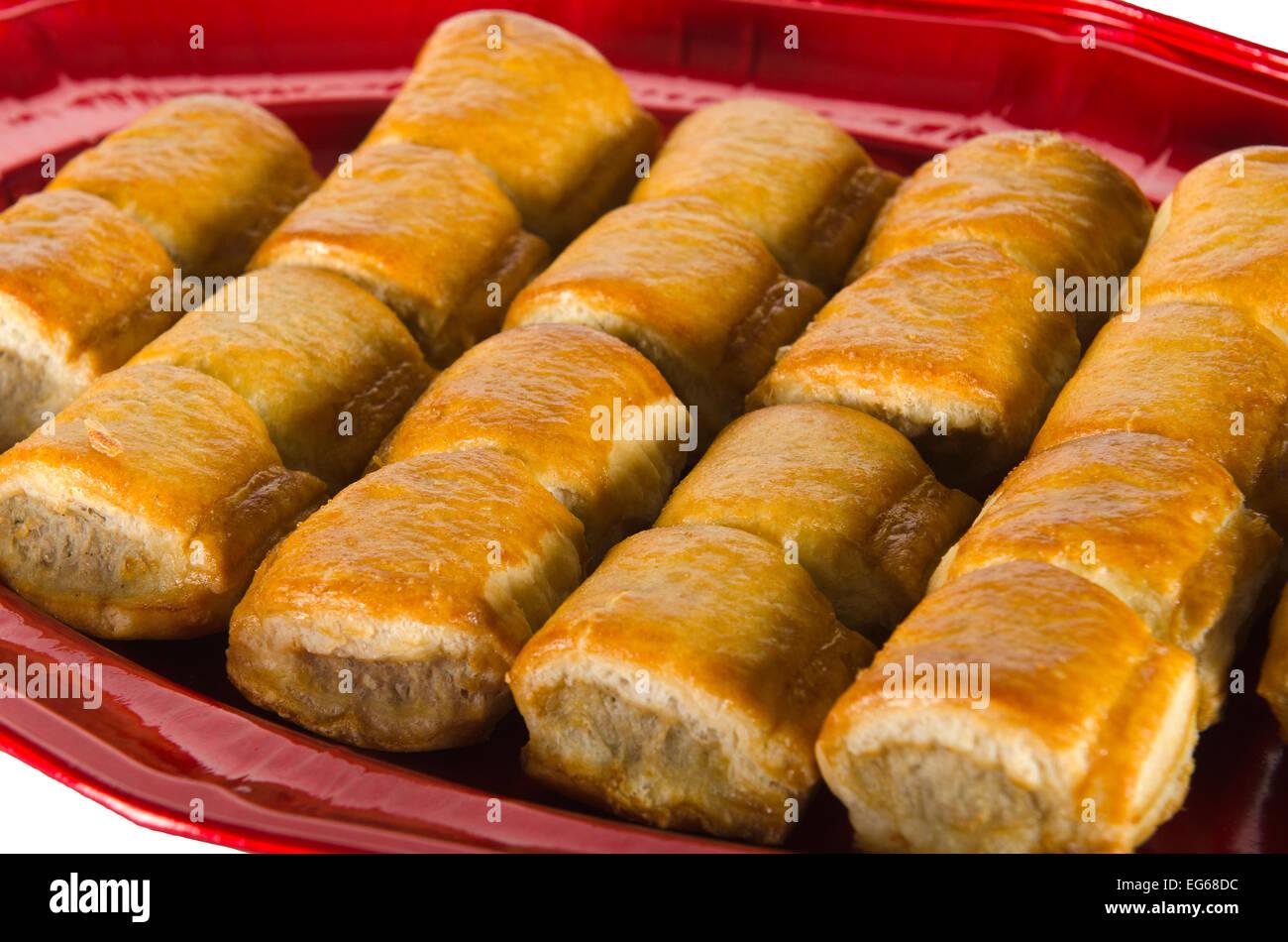 Une assiette de saucisses cuites rolls Photo Stock