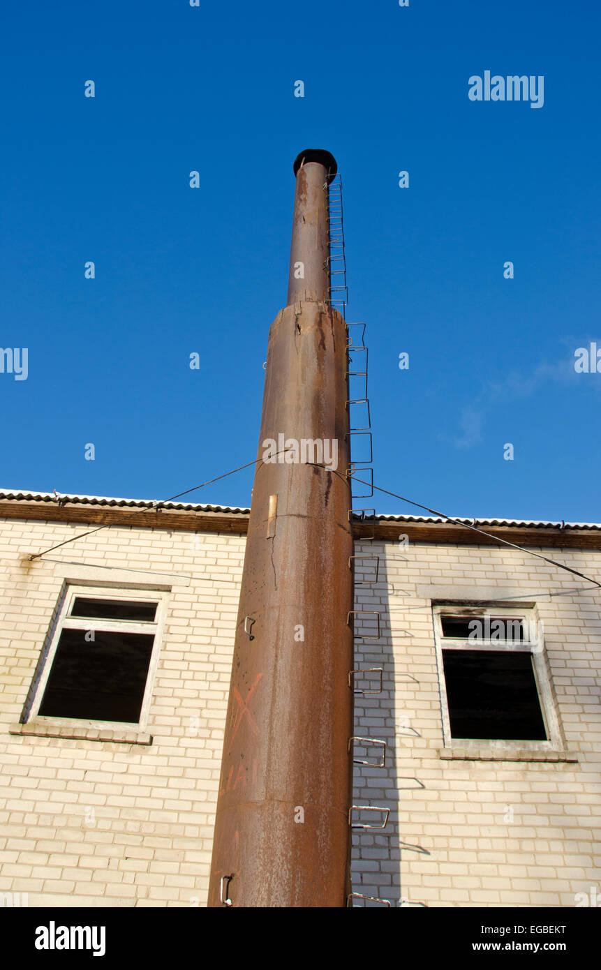 Maison Industriel Avec De Vieilles Ruines Cheminee Cheminee En Metal