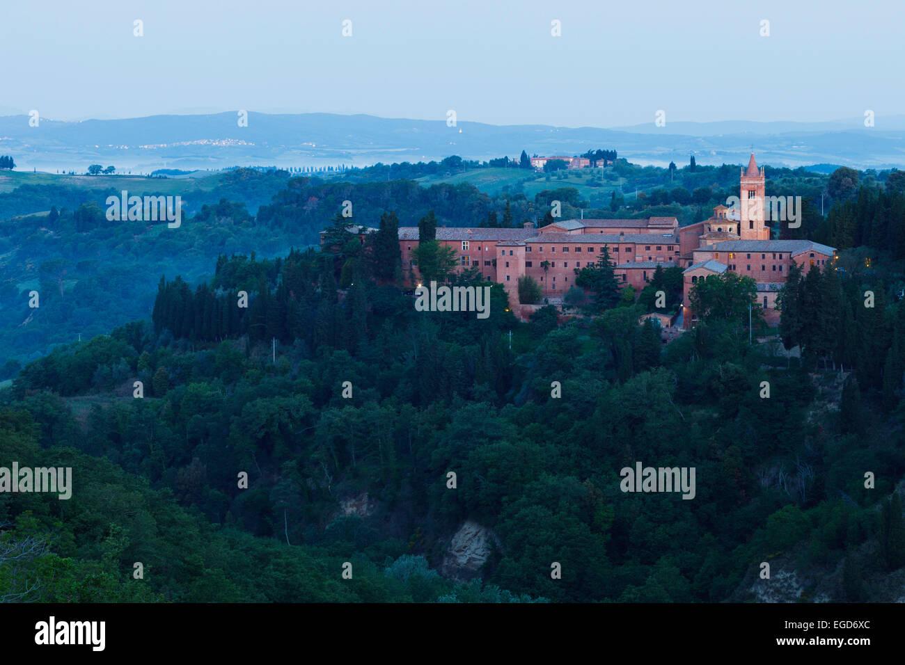 Abbaye de Monte Oliveto Maggiore monastère bénédictin, près de Asciano, Val d'Orcia, Val Photo Stock