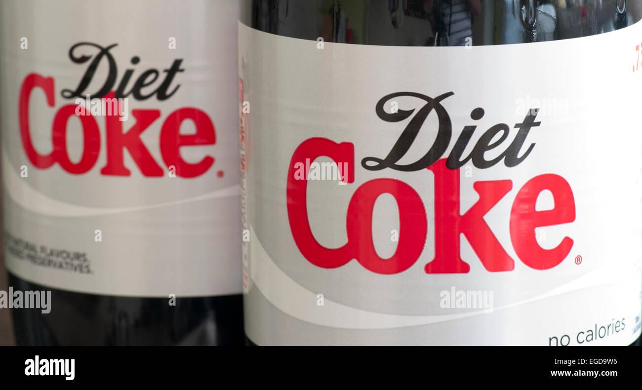 Diet Coke les étiquettes sur les bouteilles en plastique Photo Stock