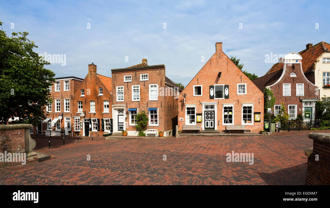 Maisons près du port de Greetsiel, Basse-Saxe, Allemagne, Europe Photo Stock