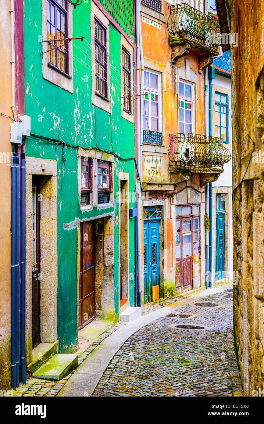 Ruelle pittoresque scène dans Porto, Portugal. Photo Stock