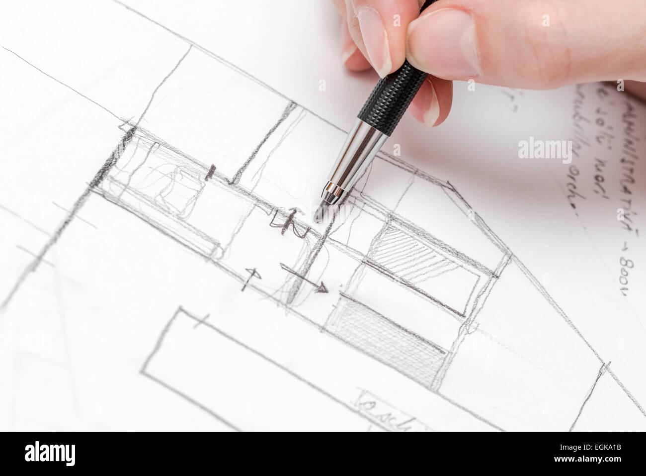 Dessin à la main de l\'architecte Plan de maison avec crayon croquis ...