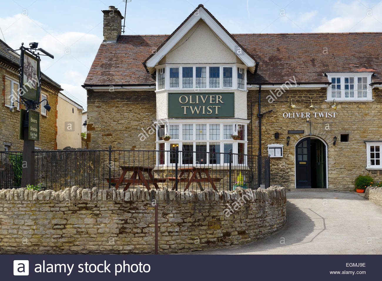 L'Oliver Twist pub, Irthlingborough Northamptonshire, Angleterre, Royaume-Uni Photo Stock