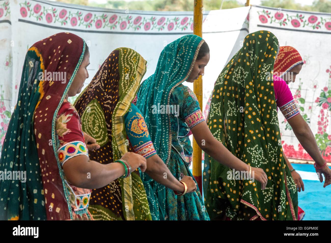 Vagria Mesdames Ahir Danse, Kutch Banque D'Images