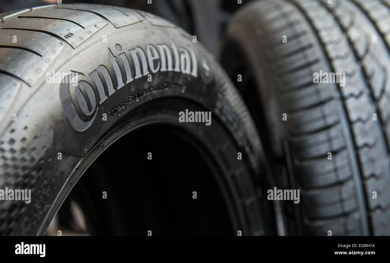 logo tires photos logo tires images alamy. Black Bedroom Furniture Sets. Home Design Ideas