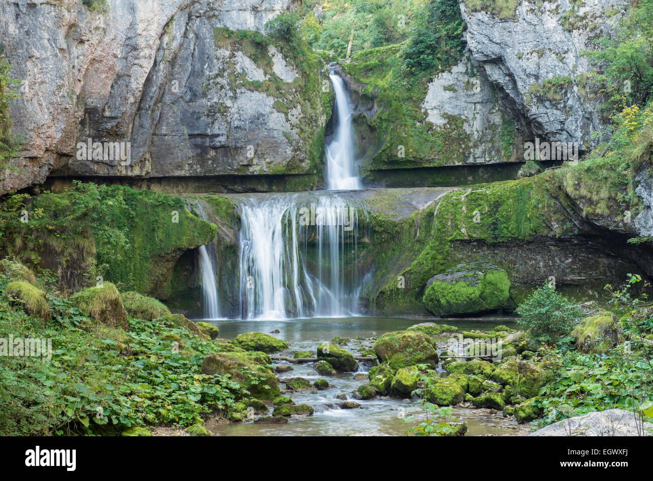 Cascade de la Billaude près de Vaudioux dans le département du Jura de France Banque D'Images