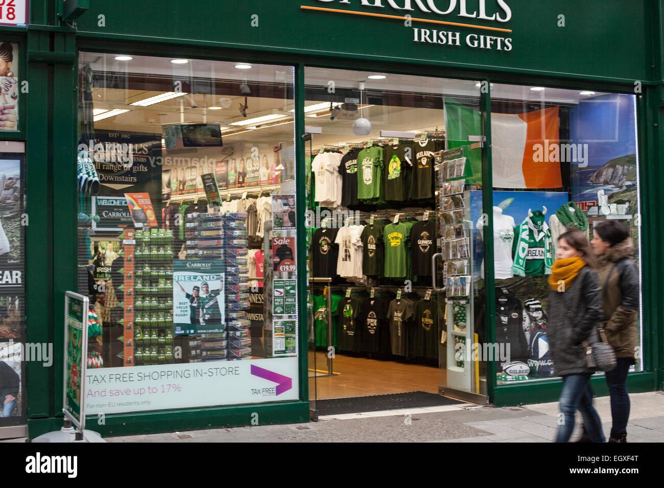Carroll s Irish gifts sur Henry Street, à Dublin le dimanche matin ... 6677d6a2045