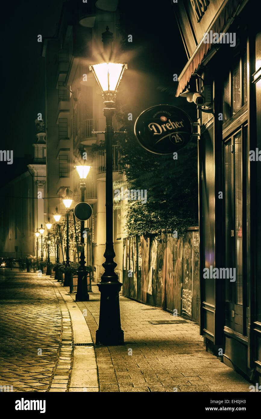L Eclairage De Rue Lampadaire Lumiere La Paisible Rue Pavee De La