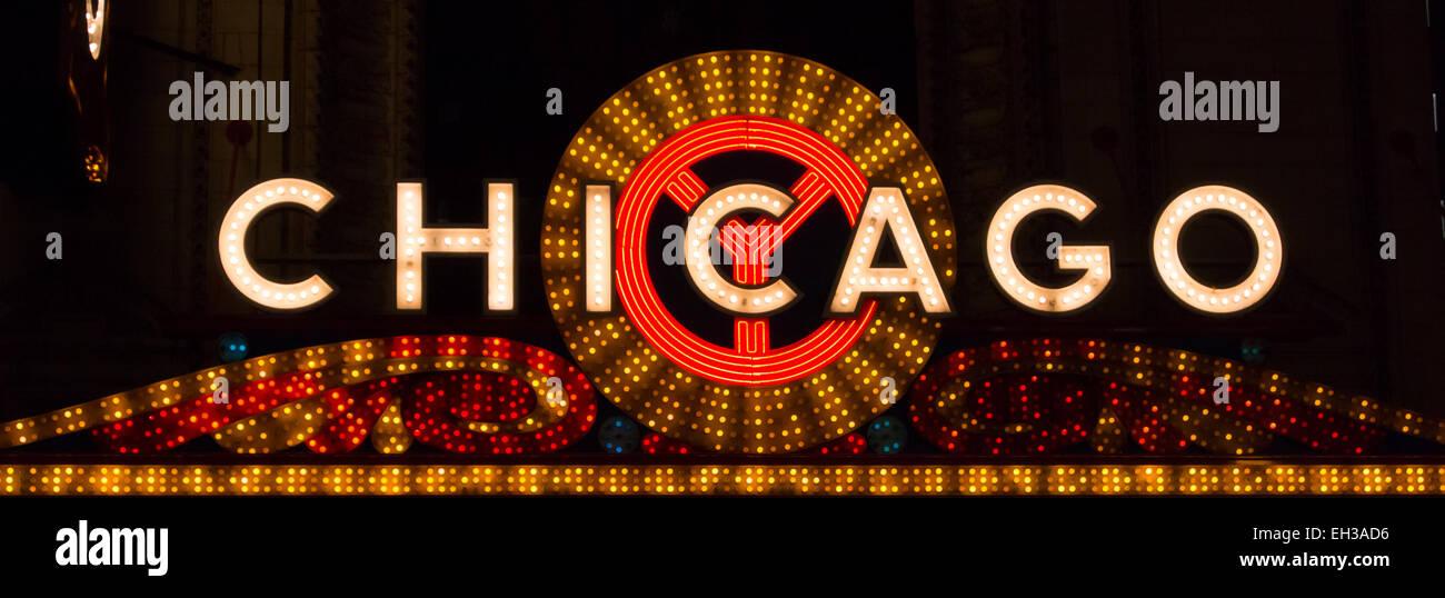 Les lumières vives annoncer un endroit populaire pour les spectacles et concerts à Chicago, Illinois. Photo Stock