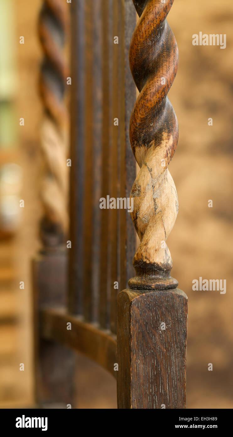 L'orge ancien président Twist, réparation et restauration de ponçage de chevillage avec de la Photo Stock