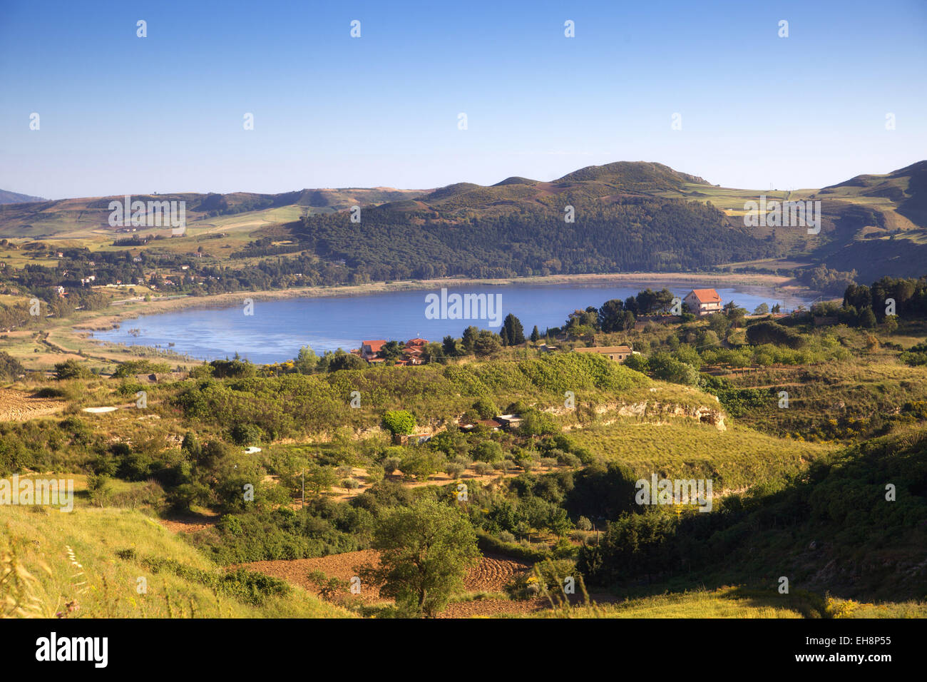 Le lac de Pergusa, Sicile Photo Stock - Alamy