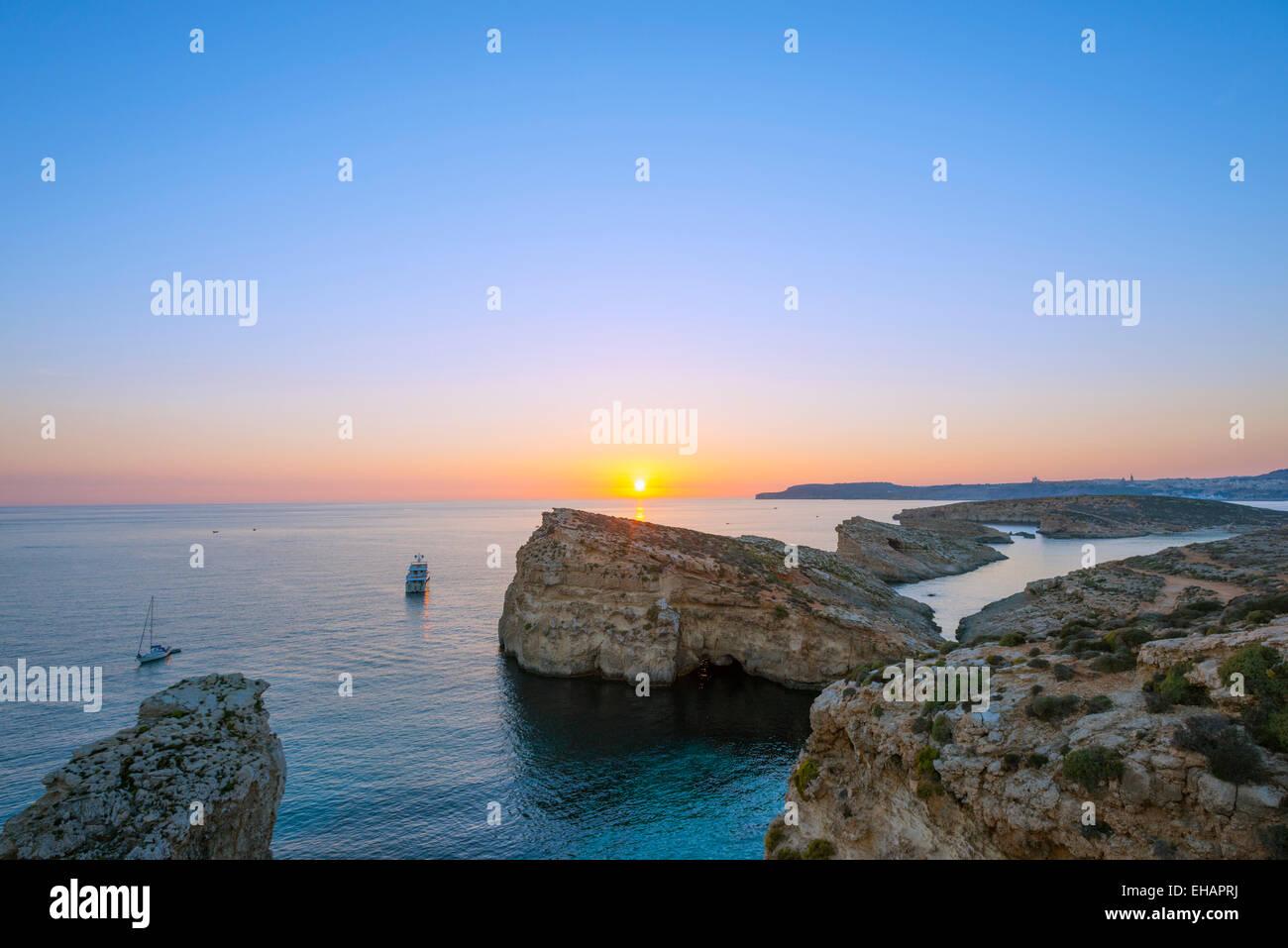 L'Europe méditerranéenne, Malte, l'île de Comino, coucher du soleil Photo Stock