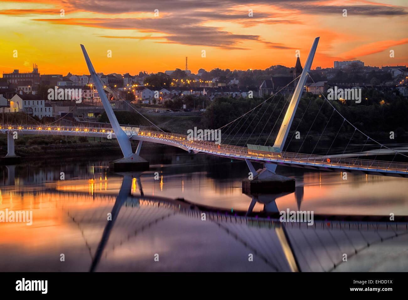 Le Pont de la paix. Dublin, Irlande du Nord. Photo Stock