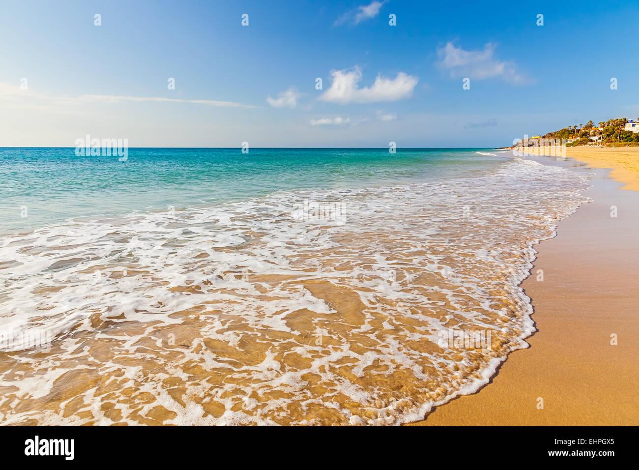 Belle plage sur l'océan Photo Stock
