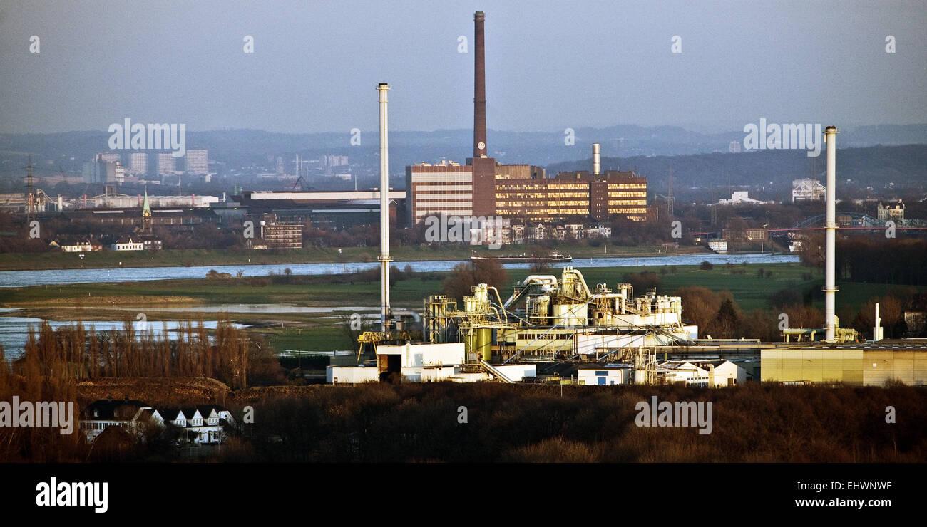 Les installations industrielles le long du Rhin, Duisburg. Photo Stock