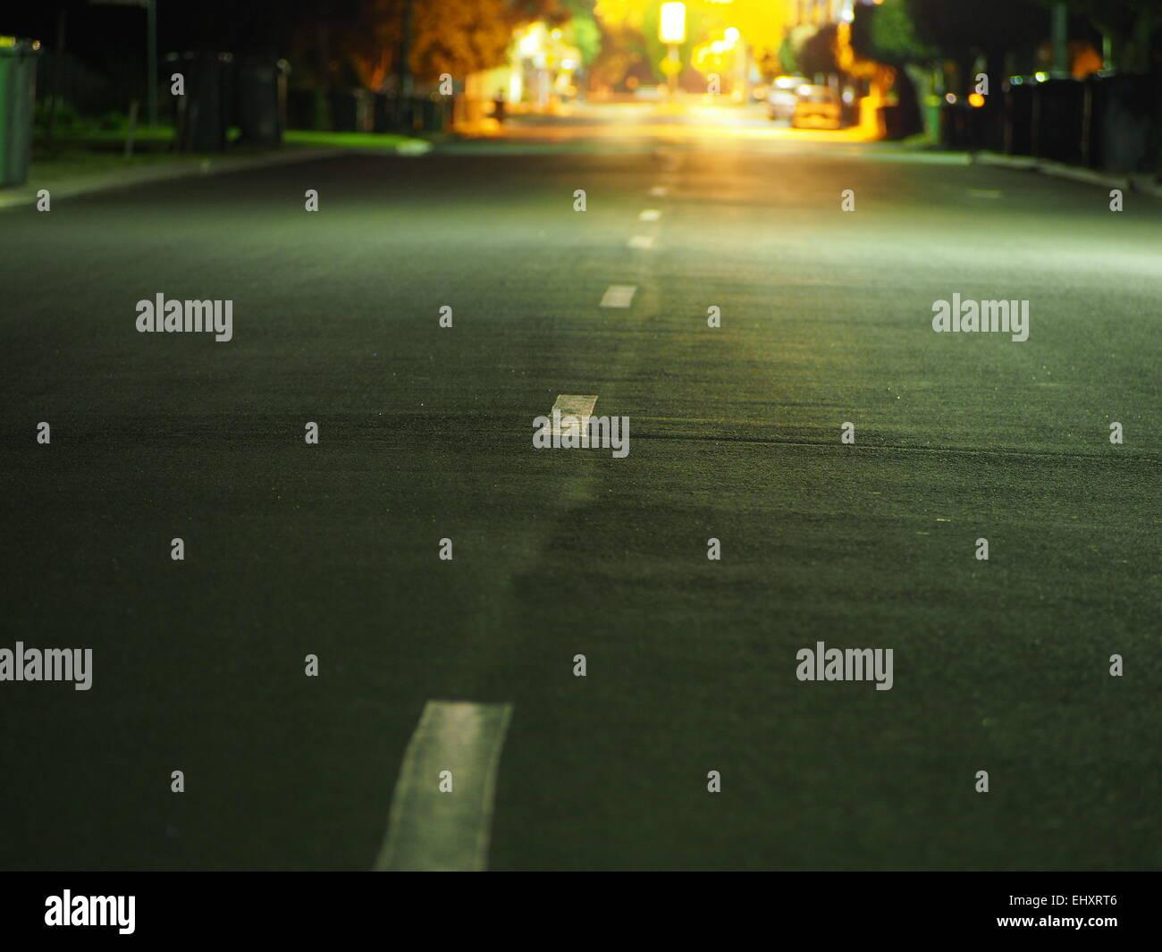 Route principale de nuit. Photo Stock