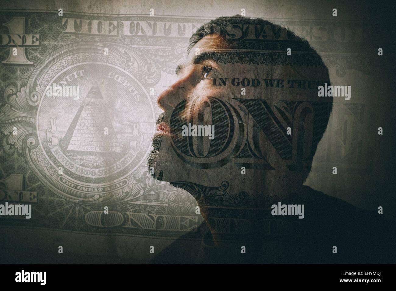 Double exposition d'un homme à la recherche et d'un one dollar bill Photo Stock