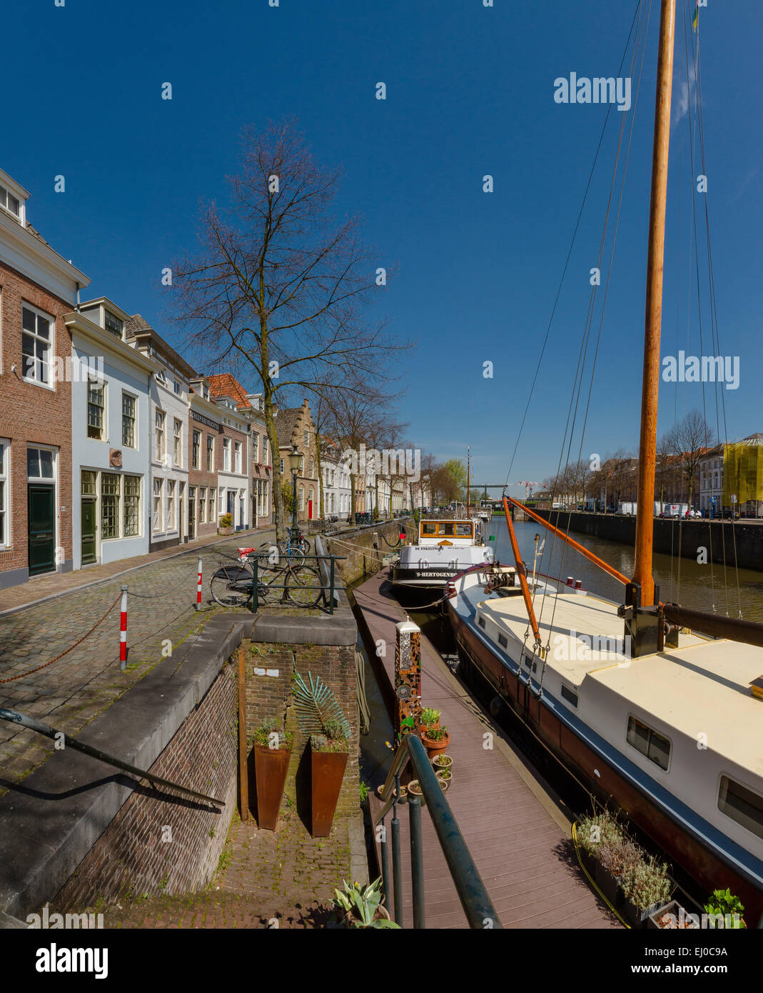 S-Hertogenbosch, Den Bosch, aux Pays-Bas, la Hollande, l'Europe, ville, village, l'eau, printemps, Vieux Photo Stock